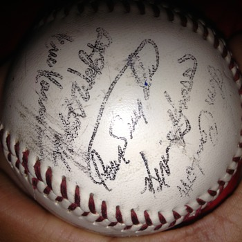 Any one know who signed this ? - Baseball