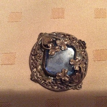 Early Victorian brooch