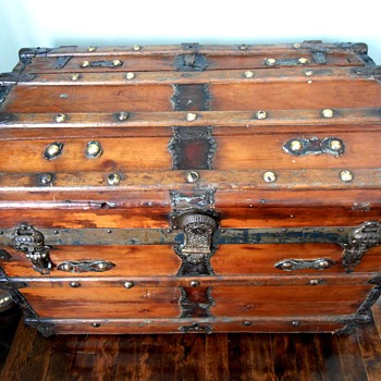 Antique Wall Trunk Montreal J.E. Fournier - Furniture