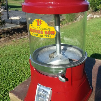 1930s Regal gumball vendor  - Coin Operated