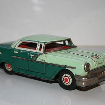 Pontiac starchief tin toy friction  - Toys