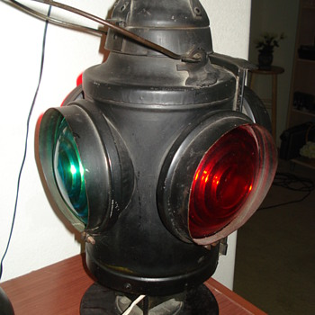 Antique Soo Line switch marker lamp