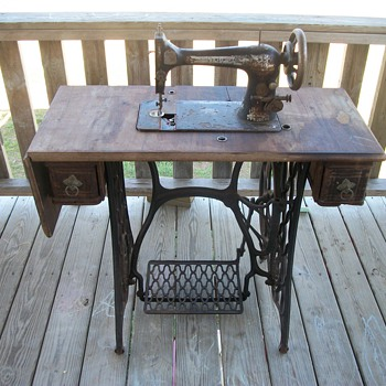 my pre 1900s singer sewing machine - Sewing