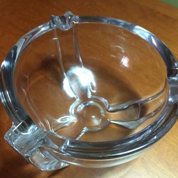 Unidentified Glass Ashtray - Tobacciana