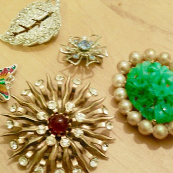 Some finds from a $5.00 bag of broken jewelry - Costume Jewelry