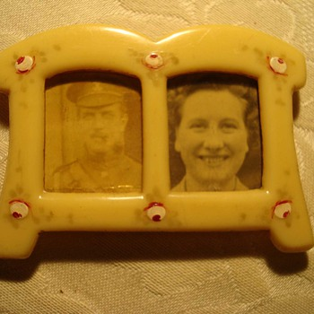 Bakelite Frame with a WWI British Officer and His Wife - Photographs