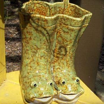 Frog Boots Vase!