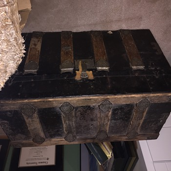 Vintage Trunk...how old is it? - Furniture