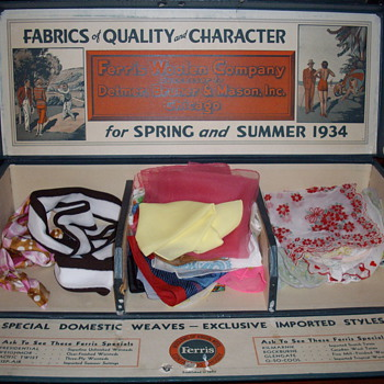 1934 counter display or salesman sample? - Advertising