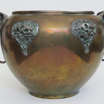 Large Brass/Copper/? Pot w/Elephant Handles & Art Nouveau applications, Antique - Art Nouveau