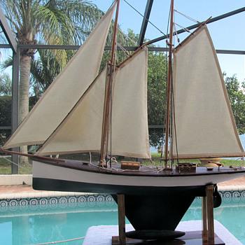 Vintage late 1800's schooner pond boat with lead keel - Toys