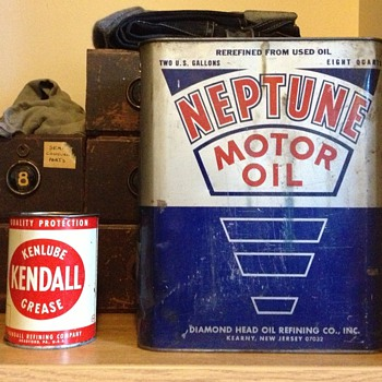 Kenlube Kendall Grease Can and Neptune Motor Oil Can - Petroliana