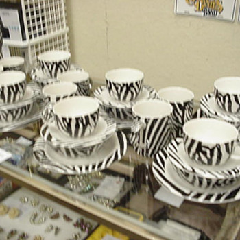 Retired Paul Cardew - Zebra Coffee and Tea Set PERFECT CONDITION!