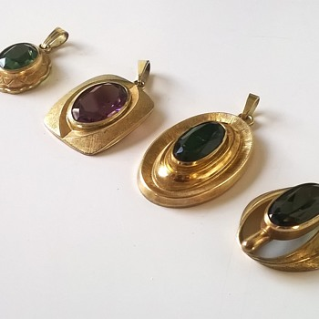 Four Amerik Kordes & Lichtenfeld 1950s/1960s Gold Plated/Glass Pendants