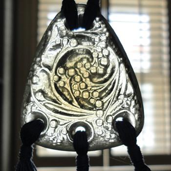 Rene Lalique 'Graines' pendant c. 1920 - Fine Jewelry