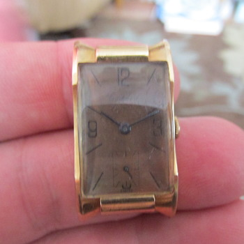 1940s small mens wristwatch Cortebert