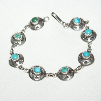 Unmarked Turquoise Bracelet