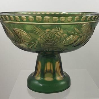 """Loetz Cut Glass Part 2: topas aussen dunkelgrün, PN III-2410/6"""", ca. 1925"""