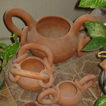 South American clay pots - Pottery
