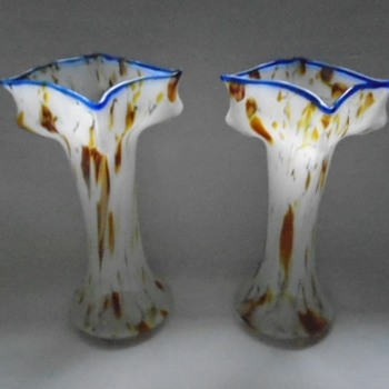 Welz Art Deco Knuckle Vases - Art Glass