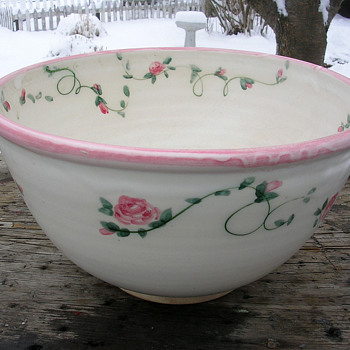 Unique hand painted pottery bowl. - Pottery