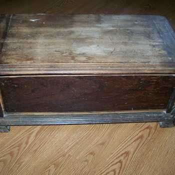 Oak Chestnut Chest