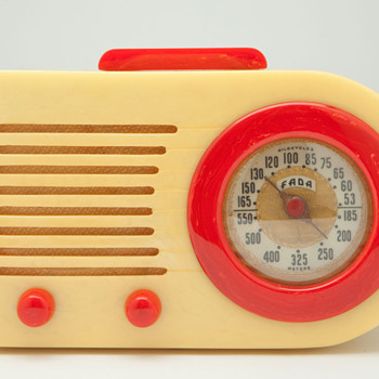"Catalin FADA ""Bullet"" Model 1000 in Yellow with Red Trim - Radios"