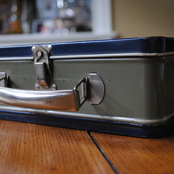 American Thermos Bottle Company Tin Lunch Box