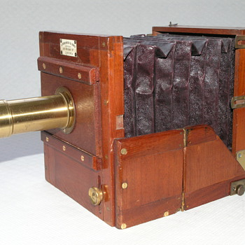 J.Robinson and Sons quarter plate tailboard camera, 1880. - Cameras