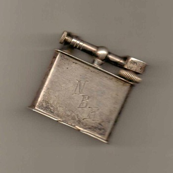 1940's - Flip-top Silver Lighter (Mexico)