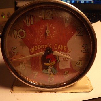 Columbia Time Woody Woodpecker Alarm - Clocks