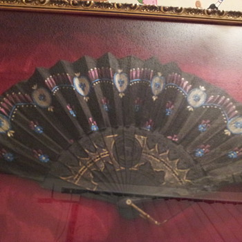 some type of hand fan any ideas when its from?  - Accessories