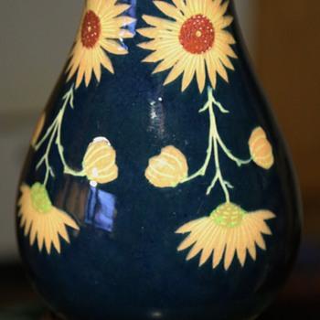 Mystery Jugendstihl-Style Vase - Pottery