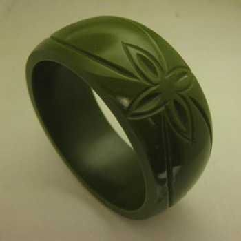 Olive green carved mystery bangle - Costume Jewelry