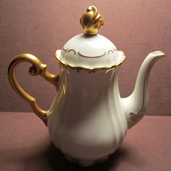 Volkstedt by Alfred Hanika 1932-1949 Gold Gilt Coffee Pot. Gold Handle and Finial Top - Kitchen