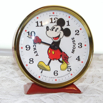 1972-78 Bobble Head Mickey Clock - Clocks