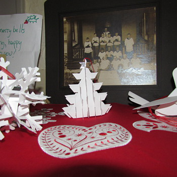 Robert Sabuda Pop-up Paper Christmas Ornaments, made by MoMA for Borders
