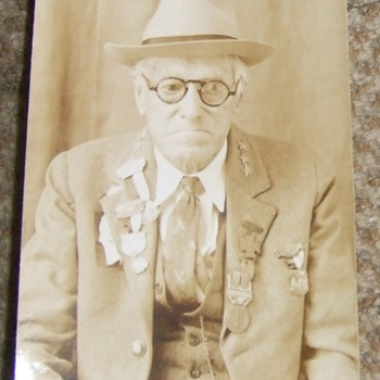 Confederate Veteran showing numerous Badges - Military and Wartime