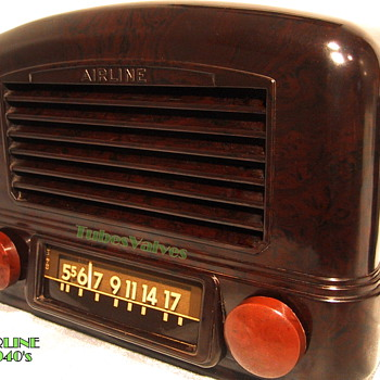 Airline 14BR-521 Bakelite Radio circa 1941