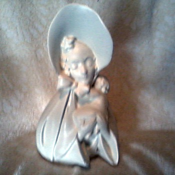&quot;Bonnet Girl with Infant&quot; Planter / Marked USA # 29 ? Hull ? / Circa 1950&#039;s ?