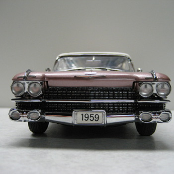 1959 Cadillac Eldorado Biarritz Convertible Limited Edition Die-Cast Replica - Model Cars