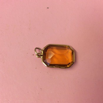 Vintage Egyptian 18ct Gold 15ct approx stone pendant