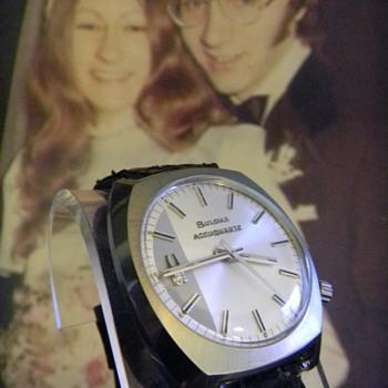 1972 Bulova Accuquartz - Wristwatches