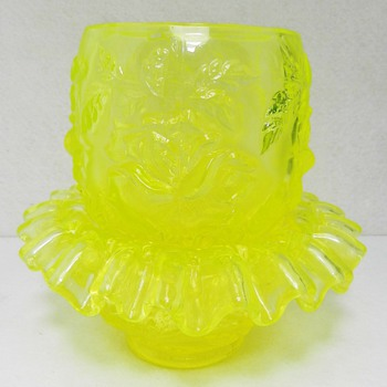 Uranium Vaseline Glass Fair Lamp