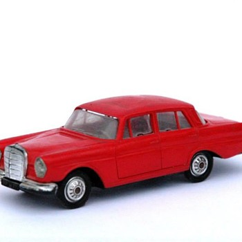 voiture miniature  vers 1960 - Model Cars