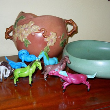 I also love these little 'chinese' looking horses and vintage pottery as well as the RW Steubenville dishware