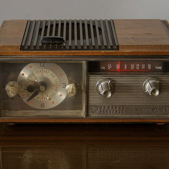 General Electric Solid State Radio.... - Radios