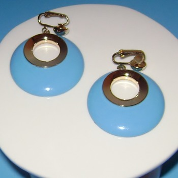 Vintage Sarah Coventry Earrings - Bold Gypsy - Costume Jewelry