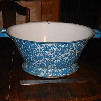 Very Large Graniteware Wash Basin