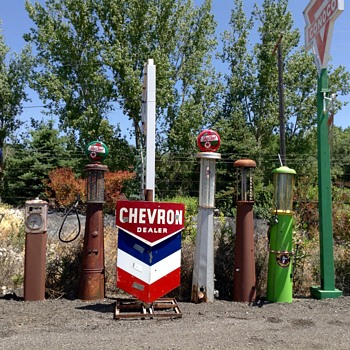 Chevron Neon Sign - Petroliana